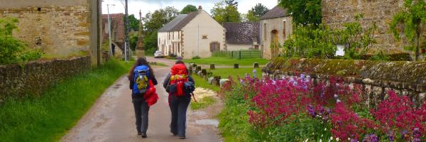 From Vézelay: pilgrims leaving Le Chemin